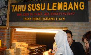 Oleh-oleh khas Bandung: Tahu susu Lembang