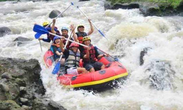 Tempat Wisata Arung Jeram Baung